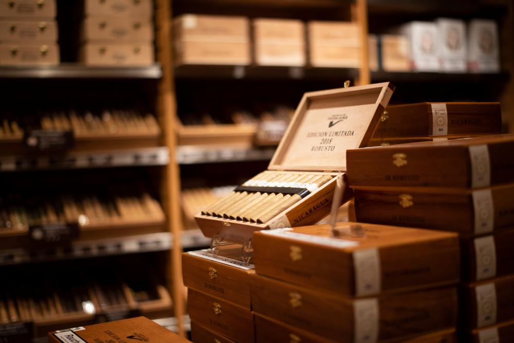 how to open a cigar shop